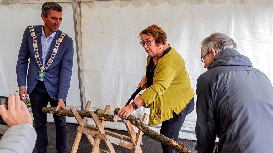 Olaug Bollestad åpner ny tømmerterminal i Egersund