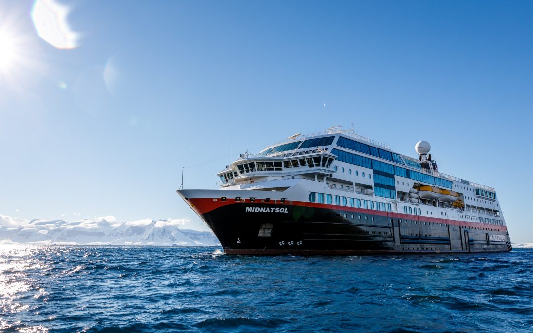 Egersund får besøk av Hurtigruten på julaften 2022